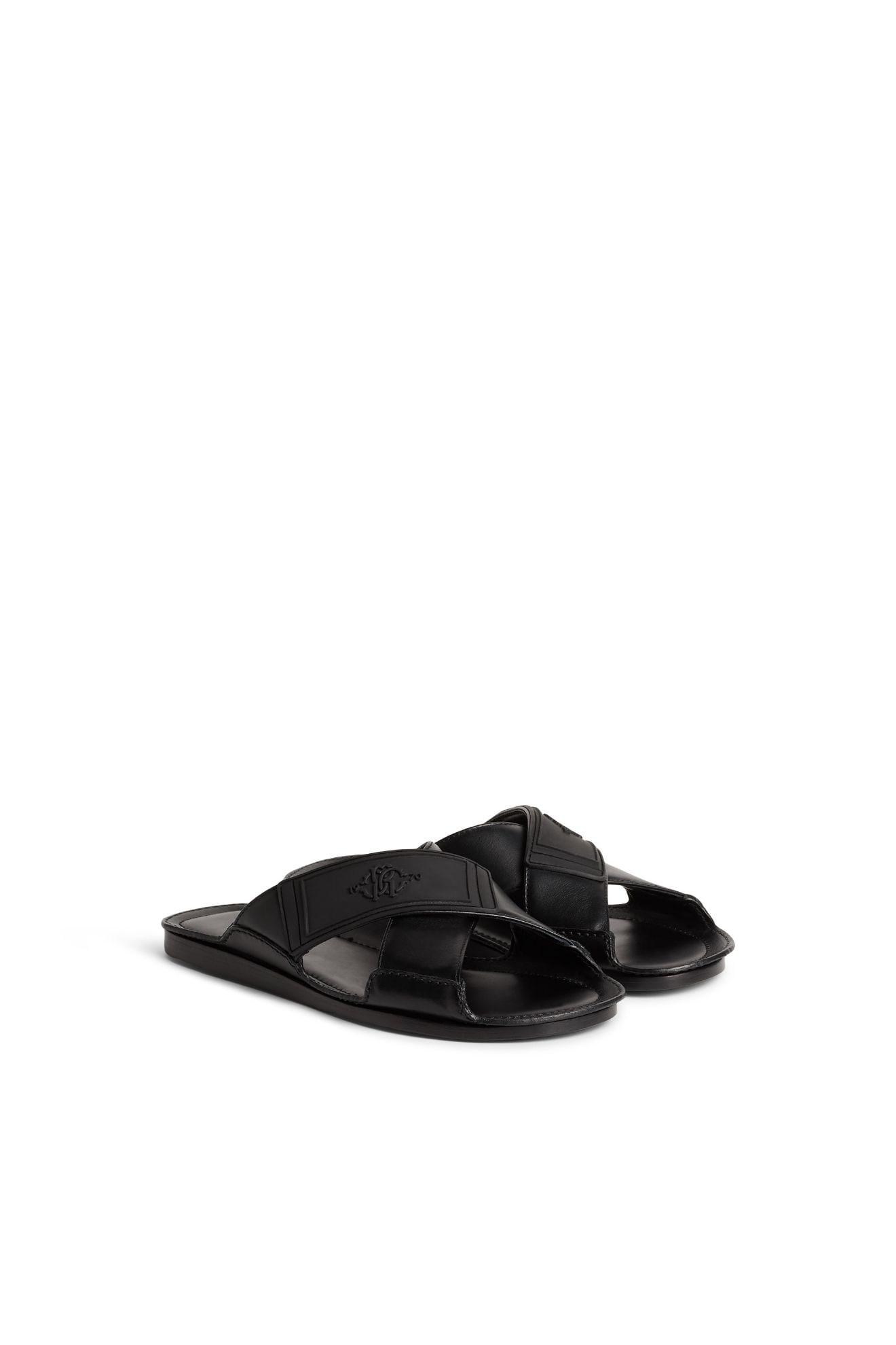 crossover sandaler