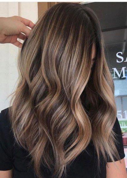 De trendigaste idéerna för hårfärg för brunetter