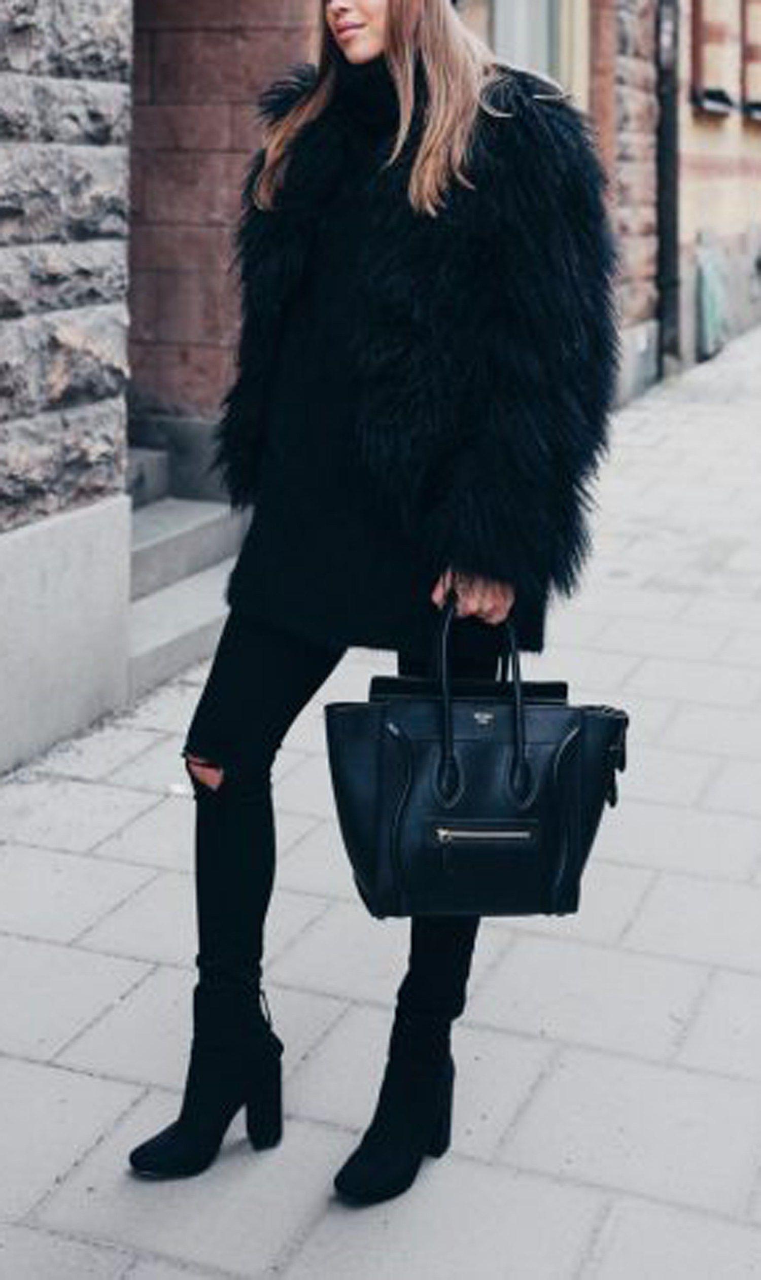 Faux Fur Cape Outfit Idéer