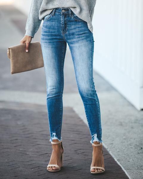 Frayed Bottom Jeans Outfit Idéer
