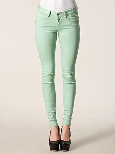 Gröna smala jeanskläder