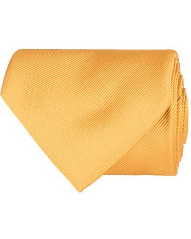 Hur man bär gul koftatröja