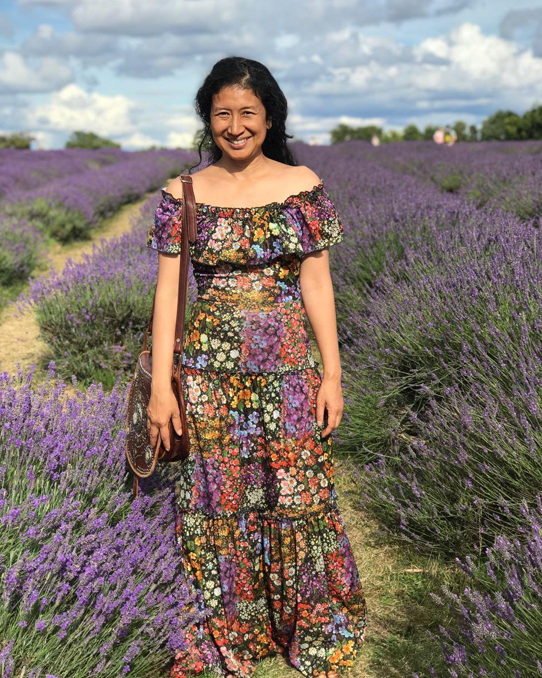 Hur man bär lavendel maxiklänning
