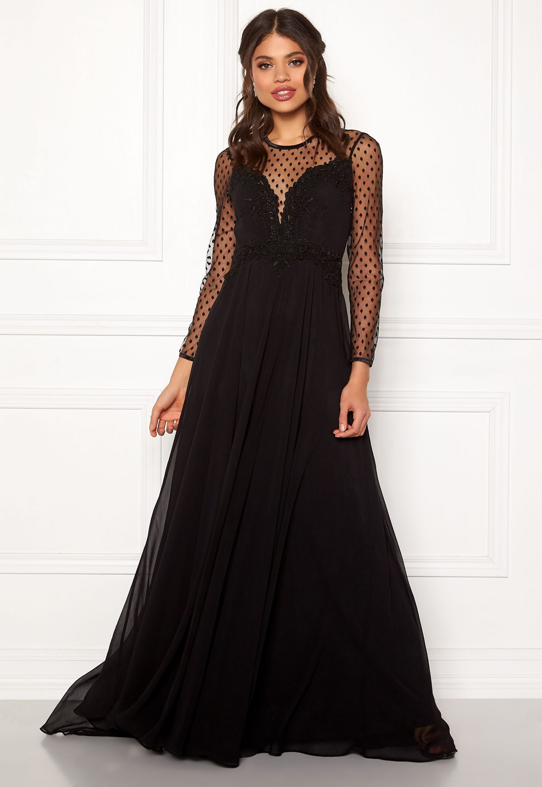 Hur man bär svart tvådelad klänning