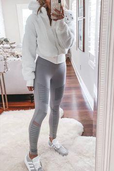 Hur man bär tryckta leggings