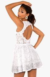 Hur man bär vit klänning med en axel
