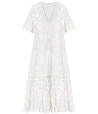 Hur man bär vit spets midiklänning