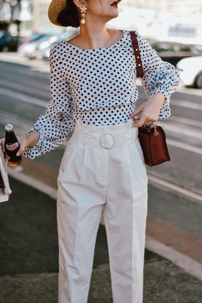Hur man bär vita jeans med hög midja