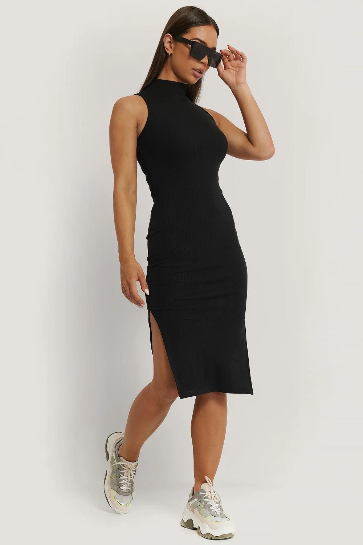 Idéer för svart klänning med hög hals