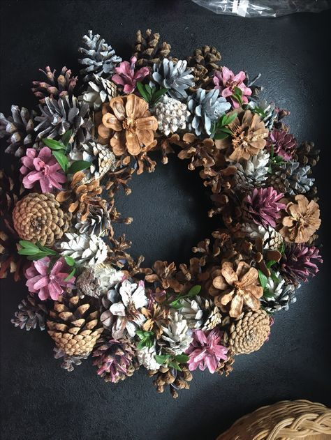 Kreativa höst pinecone dekorationer