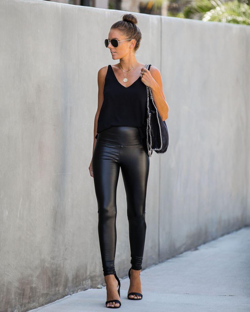 Läder Look Leggings Outfit Idéer