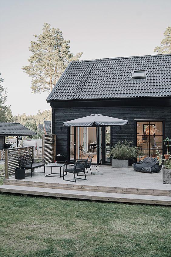 Lätt fyllt hus med uteplatser