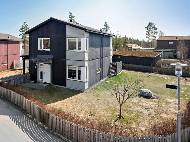 Minimalistiska hus flera nivåer