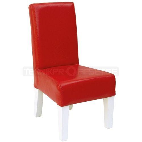 Röd prickstol som ser platt ut
