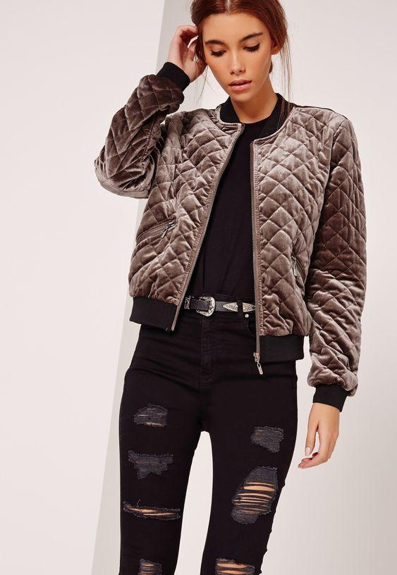 Sammet Bomber Jacket Outfit Idéer