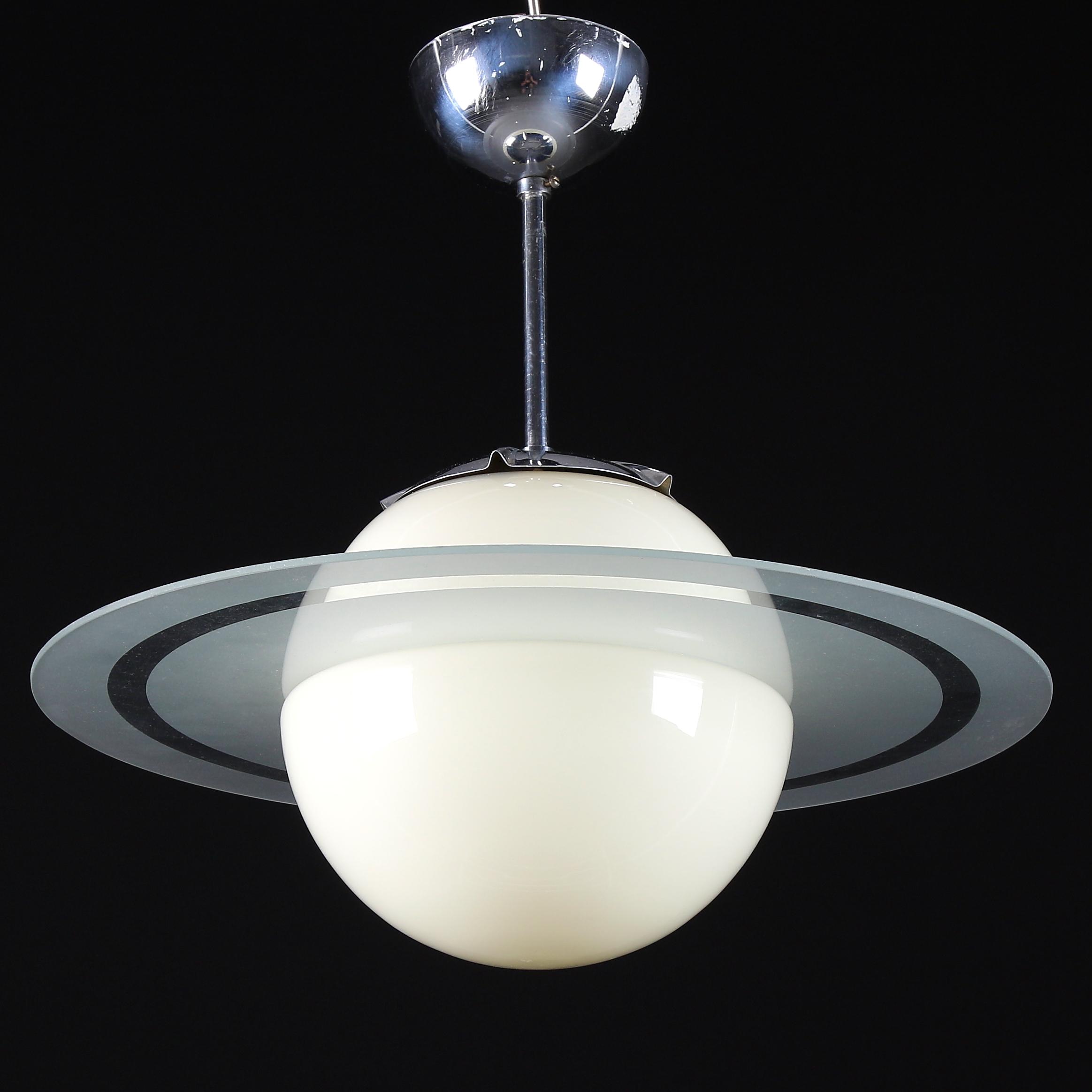 Saturn taklampa