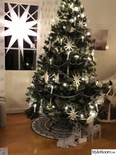 Silver och vit julgranpynt