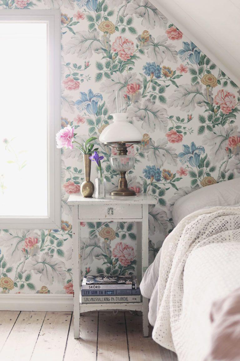 Sovrum design blommig tapet