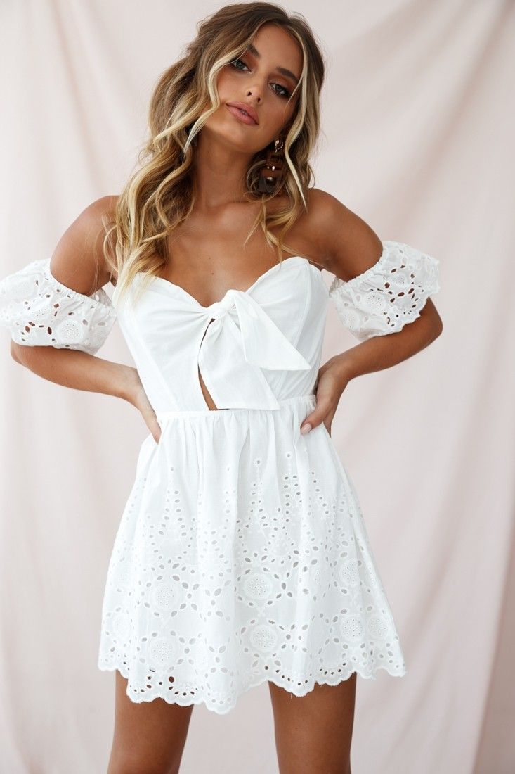Sweetheart Neckline Dress Outfits