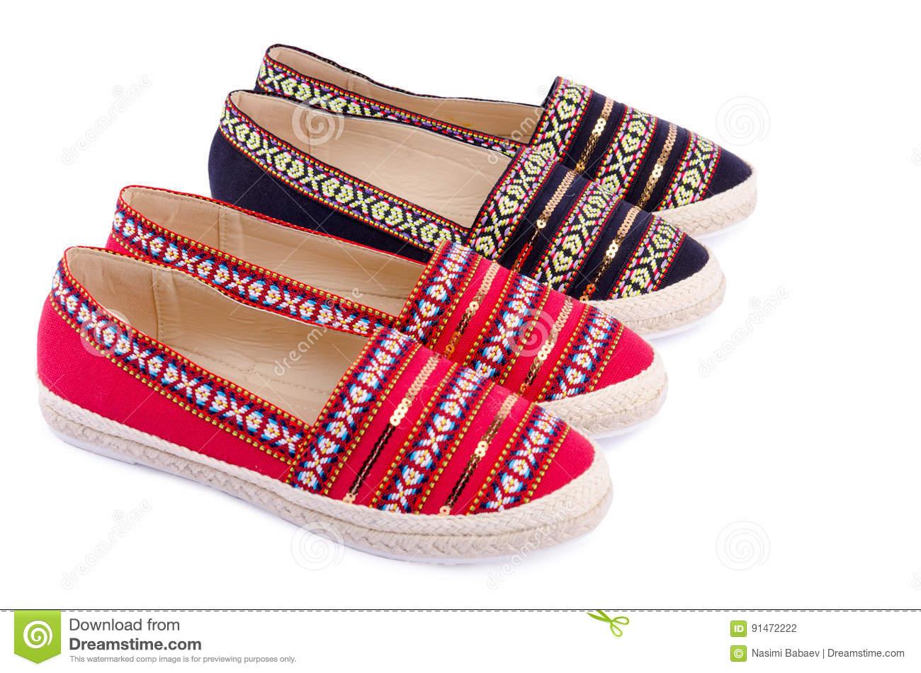 Traditionella skor för kvinnor
