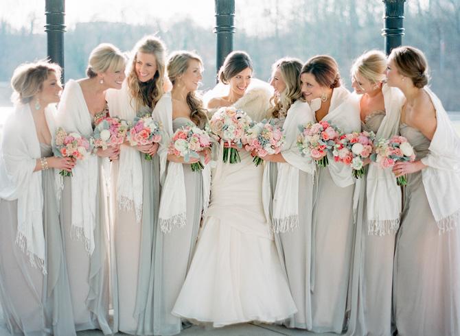 Underbara bröllopsfotoidéer för brudtärnor