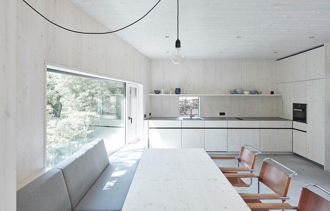 Vad är ett modernt rustikt hem